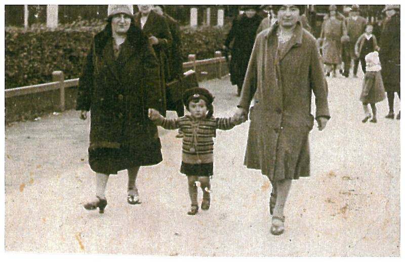A 1928 photo of Rahel Morgenstern (on the right), her friend, Martha Doum and Martha's son, Adolf, taken in Lübeck.  (From the Estate of Abraham Domb-Dotan, Israel)