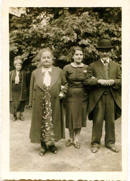 Ida and Siegmund Cohn with their daughter.  This picture was possibly taken after Gerta completed her secondary education on or a similar occasion.  From the family's private collection.