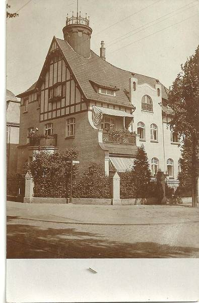 The building at Travemünder Alle 8.  This villa belonged to Max and Elise Marcus, the parents of Elsa Strauß' sister-in-law, Sofie Stern.  Photo from the family's private collection.