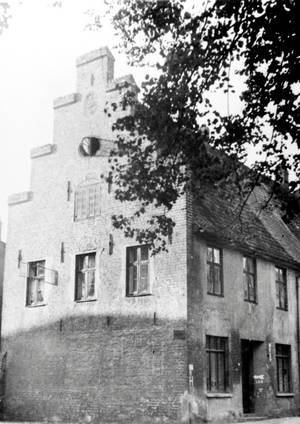 A pre World War II picture of the building located at St. Annen-Straße 7:  Photo Archive Hanestadt Lübeck