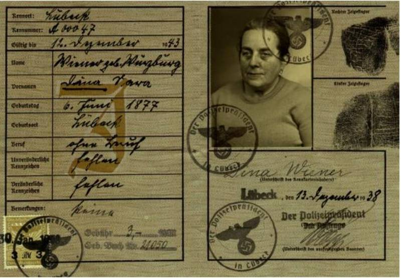 Reisepass von Dina Wiener, ausgestellt im Dezember 1938: Familienarchiv Dennis Wiener