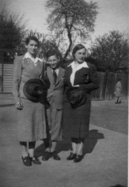 Esther, Heinz und Simmy Selmanson 1939, Foto der Familie