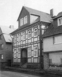 The school and synagogue at Kassler Straße 28 in Ziegenhain.  From www.judaica-alemannia.de