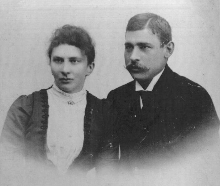 Wedding Picture of Wihelm and Anna Krohn, Sommer 1902 [1]