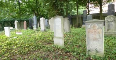 Grabstelle von Friederike Lambertz, Aufnahme Leonid Kogan 2013