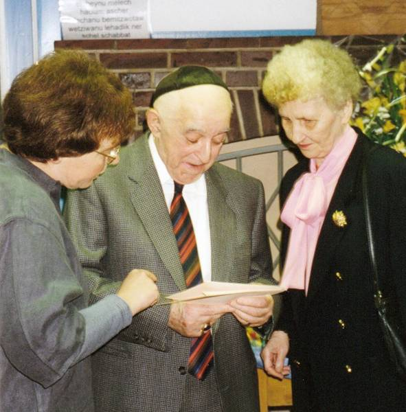 Berthold Katz on his 80th birthday, 11 December 1995, with his wife, Anneliese and Heidemarie Kugler-Weiemann [10]