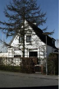 The house at Neuer Faulenhoop 22 in Lübeck-Karlshof; photograph: Heidemarie Kugler-Weiemann, 2008