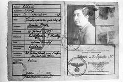 Identification card of Marie Luckmann of Lübeck [9]