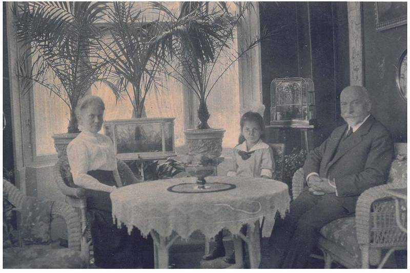 Johanna with Rebecca and Fedinand Stern.  From the Family's Collection.