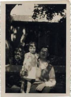 Aron Adolf Emmering with his daughter, Irgrid, in Lübeck around 1934