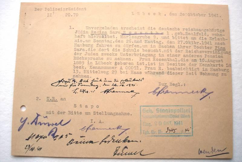 Regina Rosenthal beantragt eine Fahrtgenehmigung nach Hamburg; Archiv der Hansestadt Lübeck, Polizeiverwaltung 121
