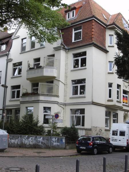 Eckhaus An der Falkenwiese 22 / Wakenitzufer 2014, Heidemarie Kugler-Weiemann